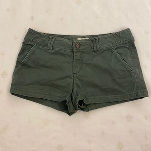 TNA  Army Green Shorts, Size 4